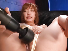 Asian sweetie Sana Anzyu rubs her pussy with a vibrator in the bukkake actionvideo